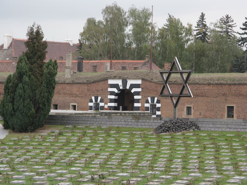 The Jewish Cemetery at the crematorium Terezín
