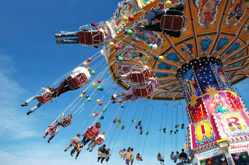 Fun, laughter, memories, and gingerbread hearts – that is St. Matthews Fair, which has opened the season of fairs and festivities every year since 1595!
