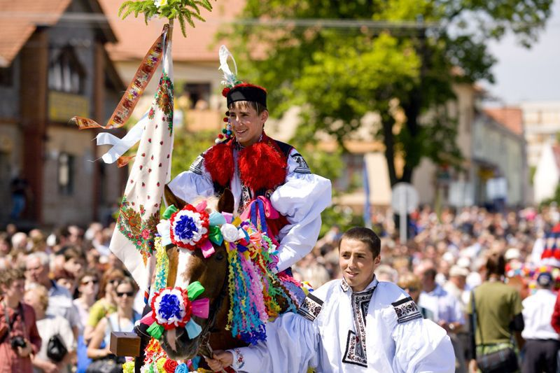 The Slovácká folklore festival, full of colors, folk costumes and regional specialties!