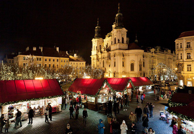Experience Christmas in Prague, Brno and Olomouc and soak up the right festive atmosphere!