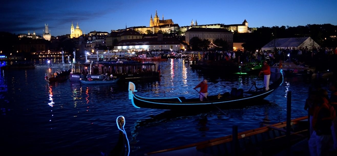 The biggest Baroque celebrations on the water at Charles Bridge in Prague following a three-hundred year tradition.