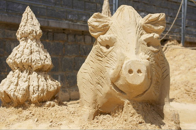 The summer tourist season in Písek is starting – come play with sand!