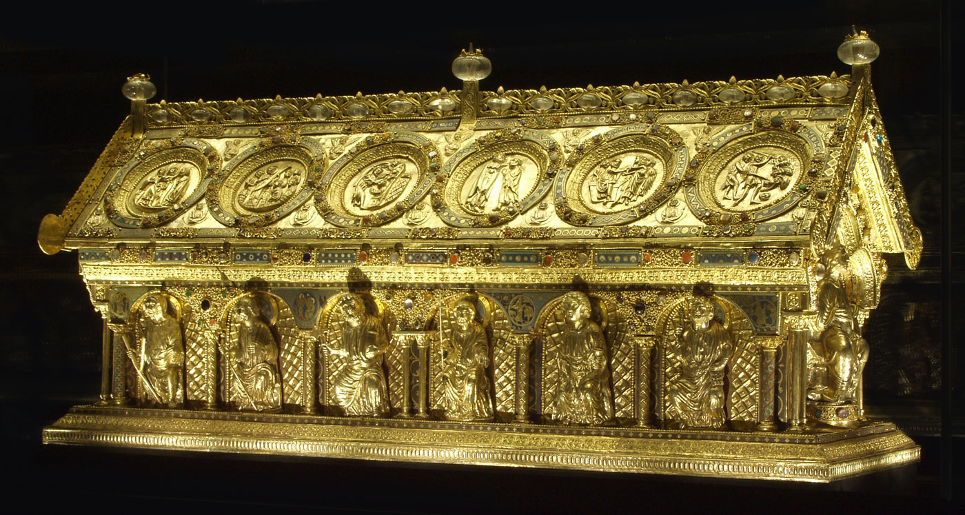 Today, the meticulously restored St. Maurus Reliquary is displayed at the Bečov Chateau