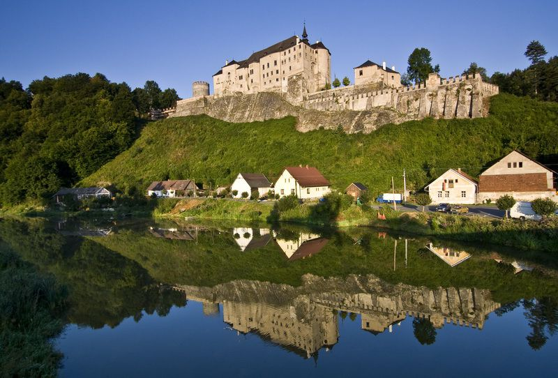 A region where splendid castles and chateaux await you, the valleys of several rivers, mining museums, silver mines and enchanting countryside!