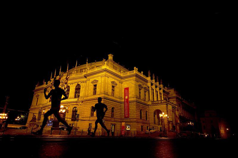 Experience the unique atmosphere of Prague at night and run one of the races of the Birell Grand Prix Prague!