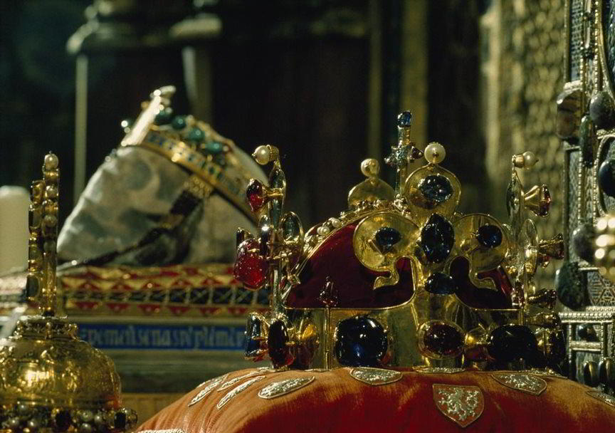 Due to the celebrations marking the 700th anniversary of the birth of Charles IV, the Czech Crown Jewels will make a rare public appearance and be on view, completely free of charge.