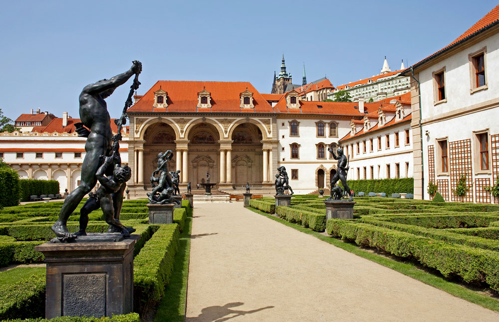 Czech republic the garden of the wallenstein palace in for Jardines wallenstein