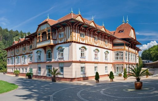 Refinement and Style of the Early 20th Century: Four Hotels by Famous Architects