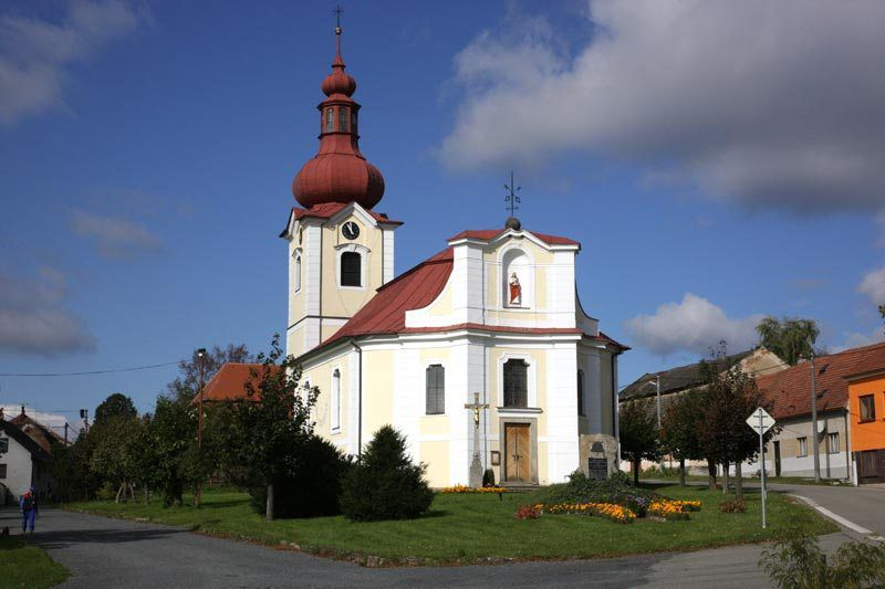 Church of St. Peter and Paul in Bobrova