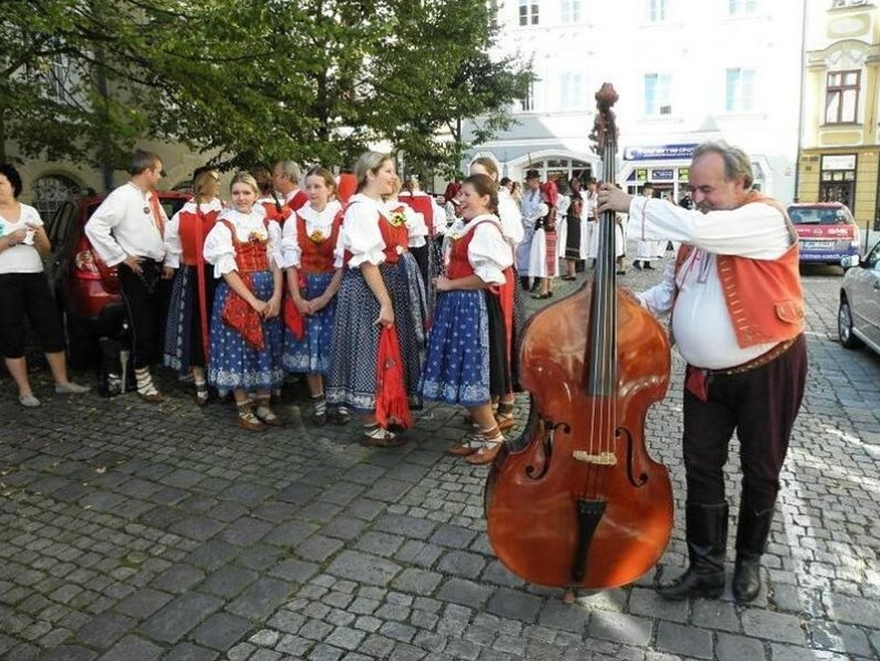 The picturesque town of Šumperk becomes a meeting point of several hundred members of folklore ensembles for one week in mid-August.