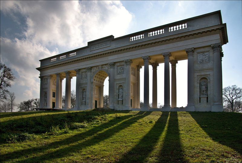 Colonnade at Reistna near Valtice