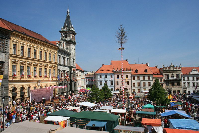 Celebrate together with the medieval merchants of the golden age of the city of Prachatice!