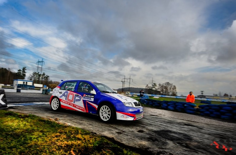 Motoring fans can look forward to the autumn meeting of champions in Global Assistance Racing Arena in Sosnová where rally stars of Rally, Rallycross and Autocross meet on the racetrack.