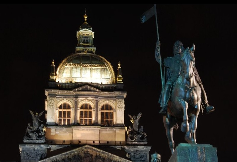 Head to the Autumn Festival on the weekend of September 27 and 28, held in honor of St. Wenceslas!