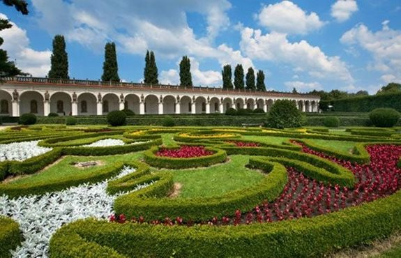 Czech republic krom gardens for Jardin unesco