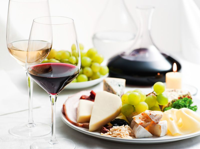 Bohemian and Moravian wine with cheeses