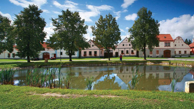 Holašovice - village green with fishpond