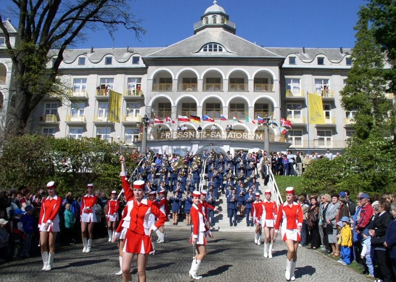 Celebration of the opening of the spa season in Jeseník held in mid-May. An entertainment program is prepared directly at the Jeseník town hall and in the spa area.