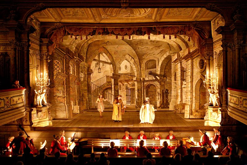 Art music in the baroque period quantum theatre for What is the baroque period