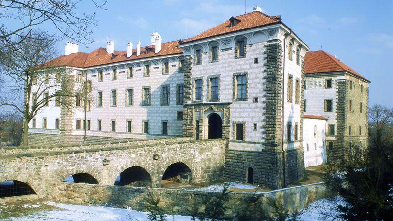 Nelahozeves Chateau