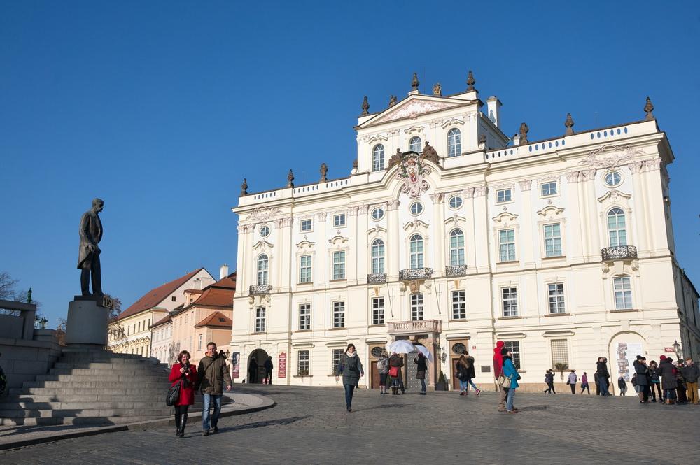 Пражский дворец архиепископа