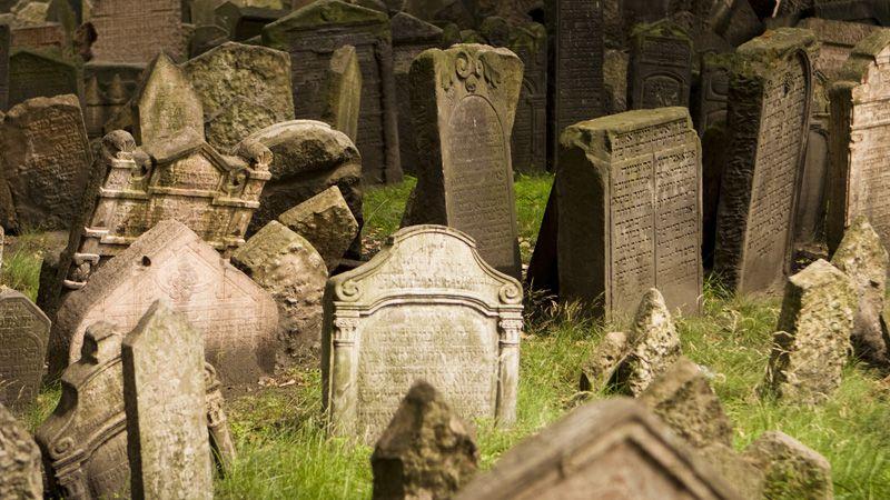 Le cimetière juif