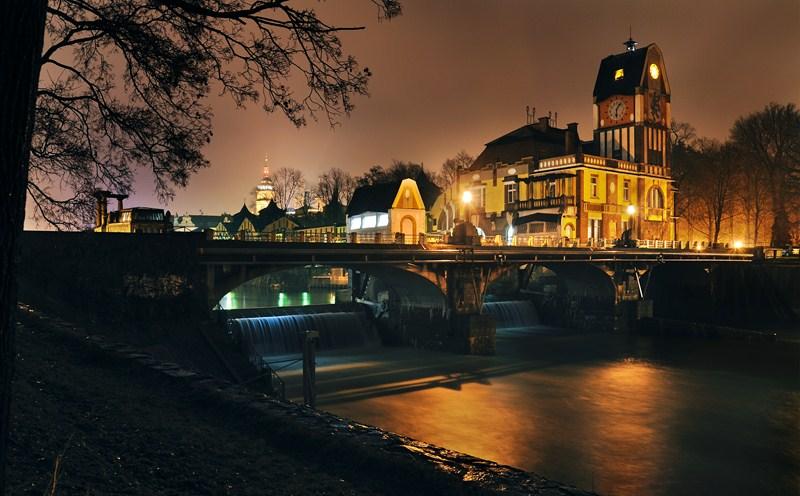 Hradec Králové jest jednym z najstarszych miast czeskich, wyróżnia się wyjątkową koncepcją urbanistyczną z  pierwszej połowy XX wieku