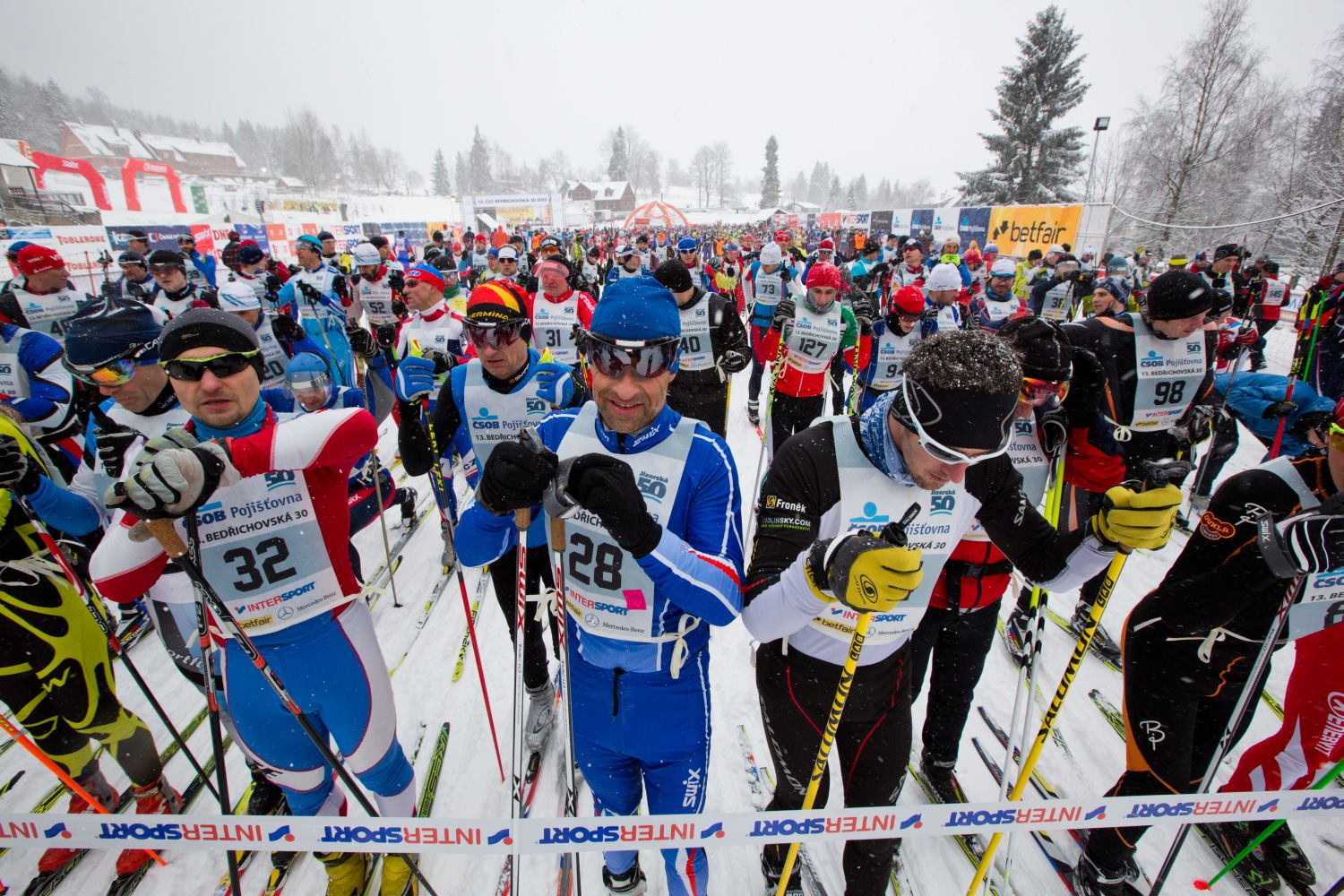 Come and enjoy the unique atmosphere of a prestigious ski race!