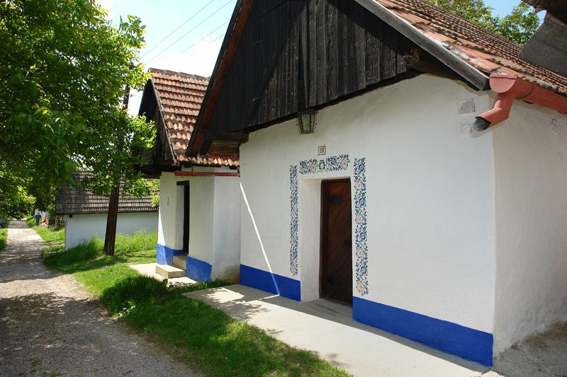 Vlčnov - wine cellars