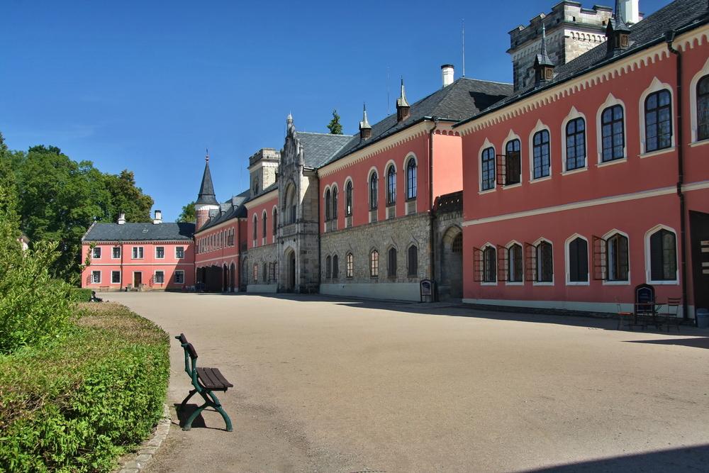Schloss Sychrov