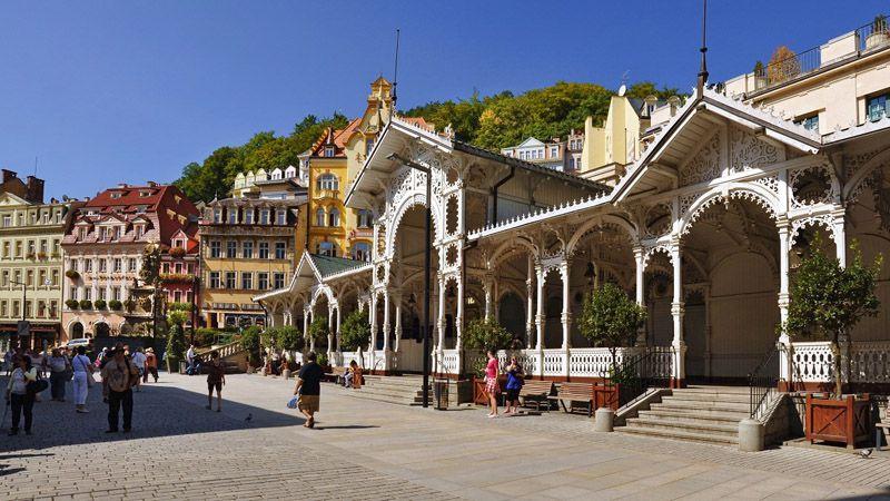 Karlovy Vary - colonnato Tržní
