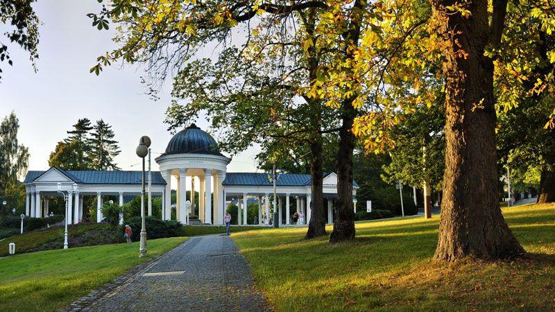 Marienbad – die Kolonnade an der Rudolf-Quelle