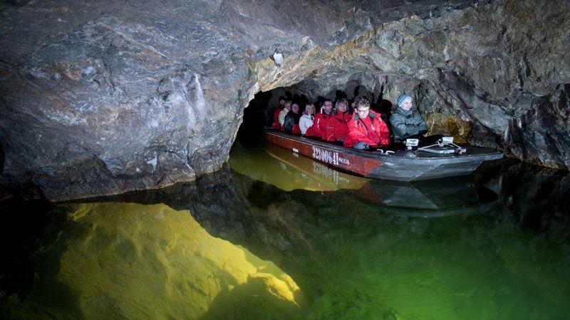 Trasa turystyczna wiodąca do Jaskiń Punkvy na terenie Morawskiego Krasu będzie czynna także w sezonie zimowym