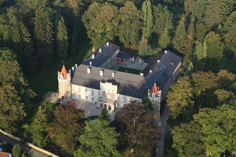 Le château Herálec