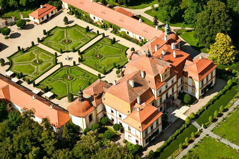 Jemniště Chateau