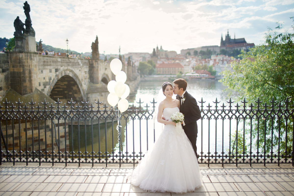 Enjoy your wedding in romantic Prague or at one of the Czech chateaux.