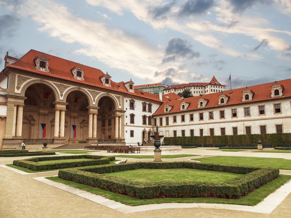 华伦斯坦宫及其花园
