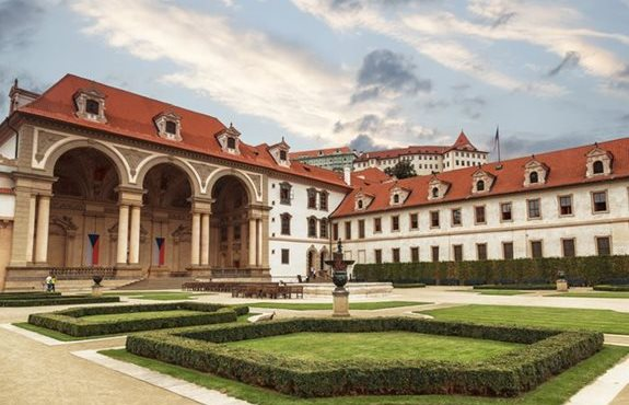 Czech republic le palais wallenstein et son jardin for Jardines wallenstein