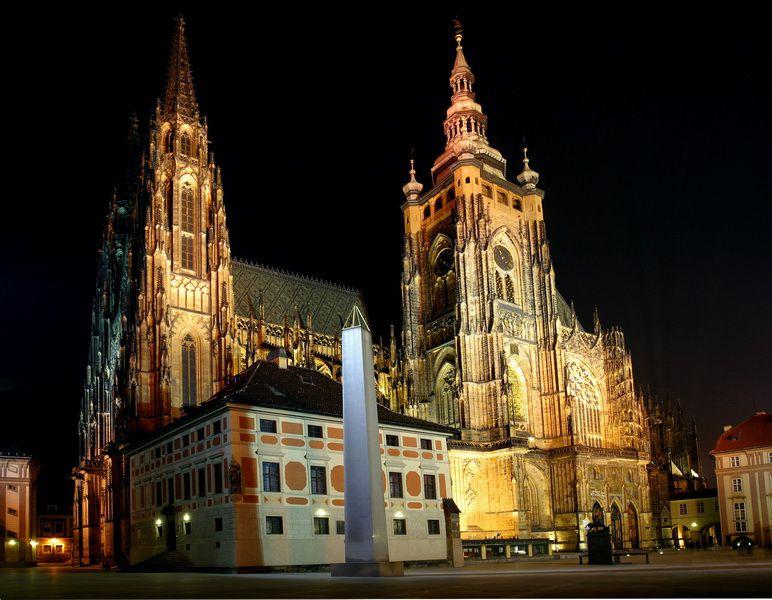 3 апреля на Пражском граде начинают праздновать год Карла IV и открытие туристического сезона, все известные достопримечательности можно посетить бесплатно!