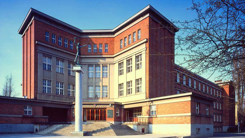 Hradec Králové - Instituto real