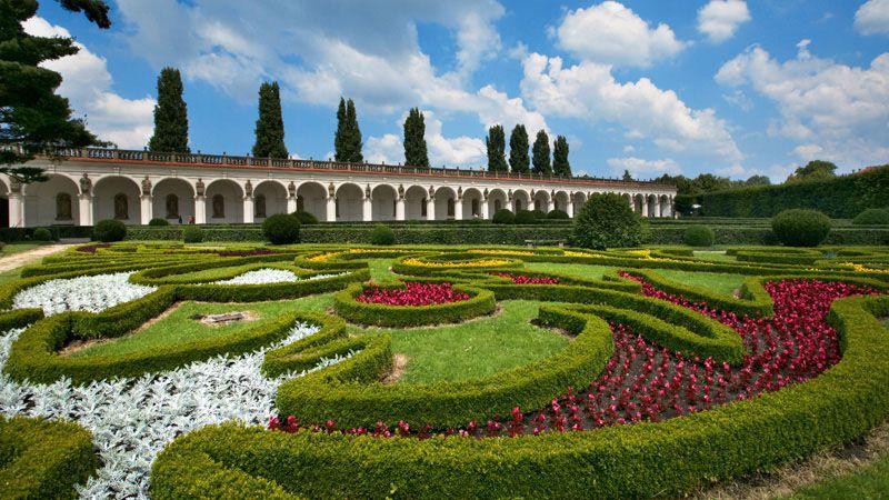 Цветочный сад - колоннада