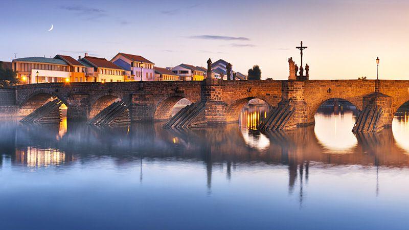 Písek - stone bridge