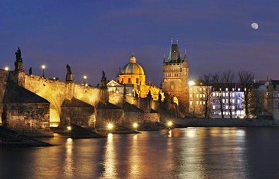 Czech Republic Puente De Carlos Y Torres Del Puente