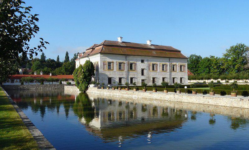 Kratochvíle Chateau