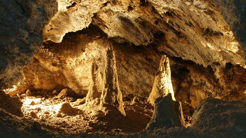 Les grottes d'aragonite de Zbrašov