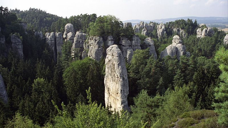 Región de Hruboskalsko